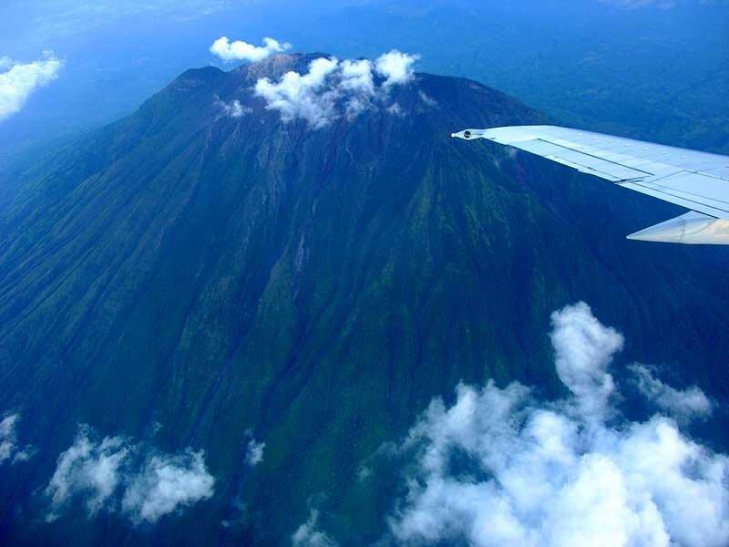 Гунунг-Агунг (о.Бали)
