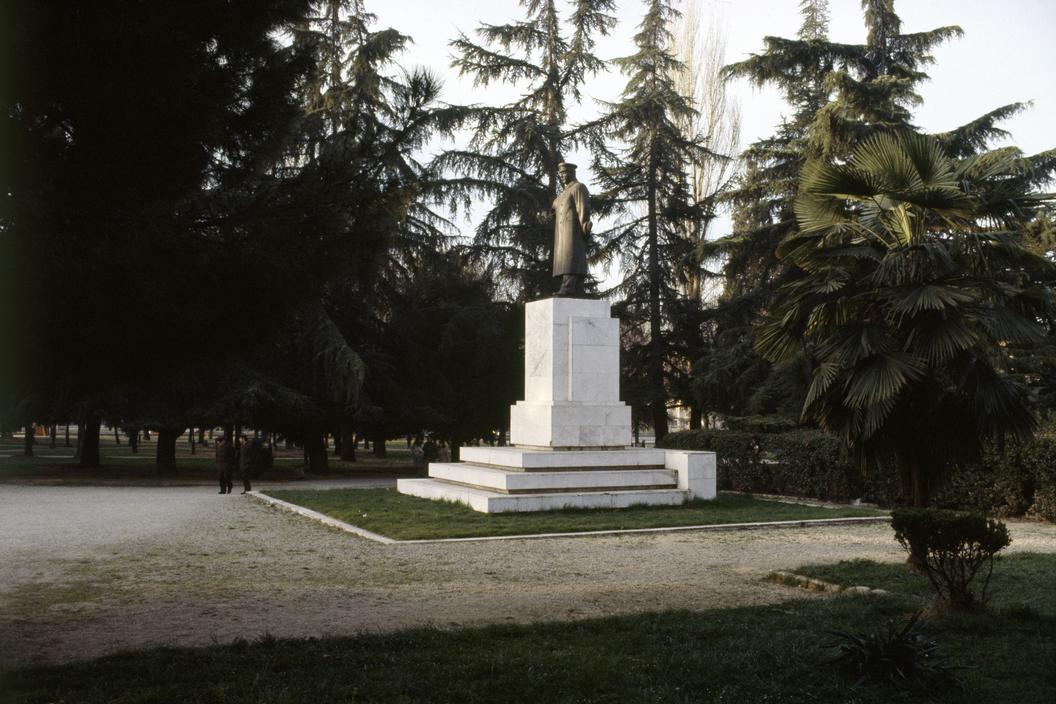 1990 Tirana Stalin by Martin Parr6.jpg