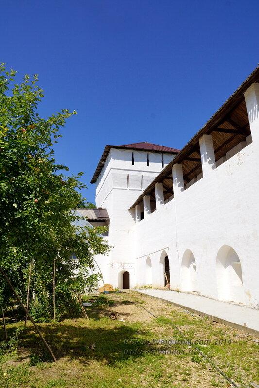 Сторожевая башня, Свято-Пафнутиев Боровский монастырь