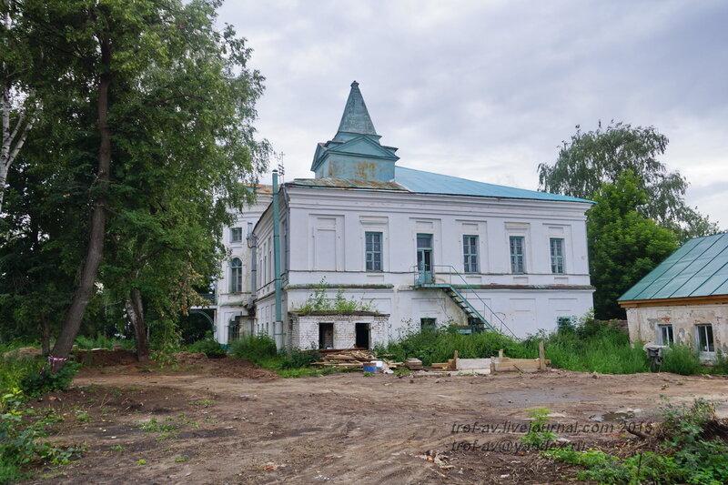 Архиерейский дом, Казанский Воскресенский Новоиерусалимский мужской монастырь