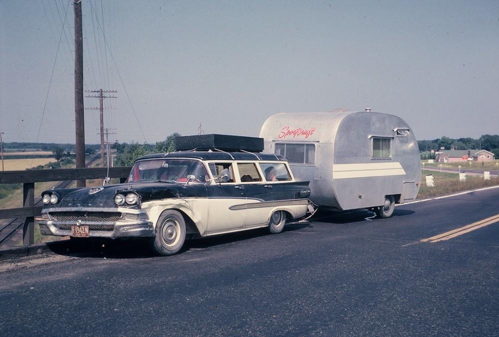 Автомобильная Америка 60-х в цвете