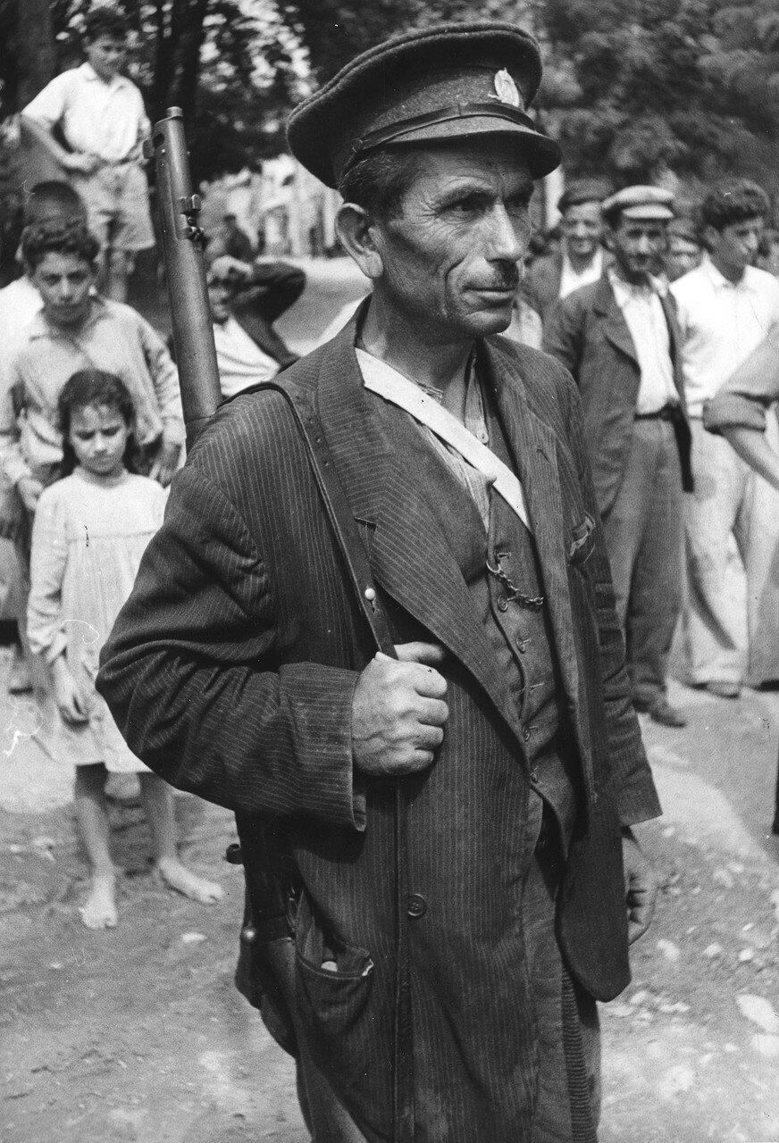 1947. Милиционер (местный житель, который получил оружие для борьбы с повстанцами) в Гумениссе