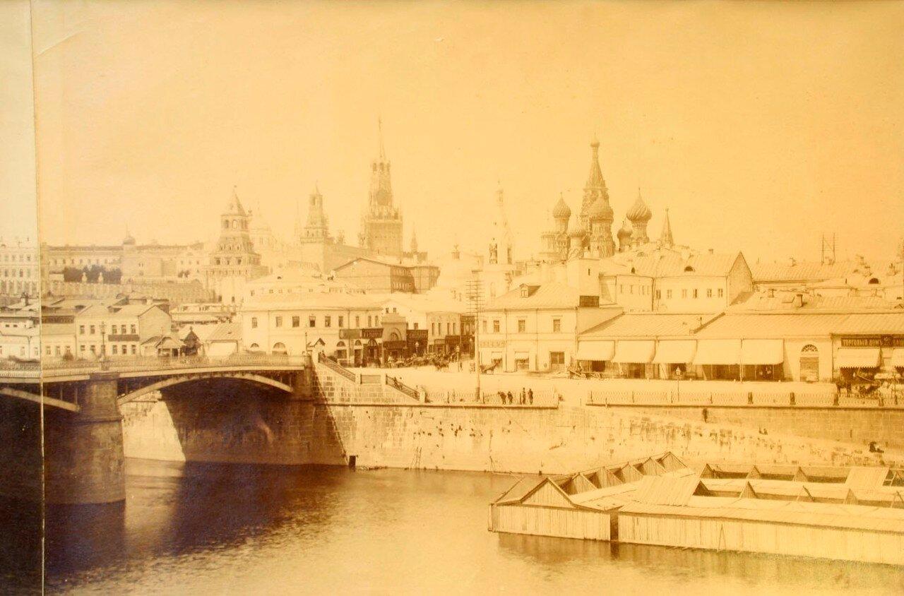 660. Вид на Кремль