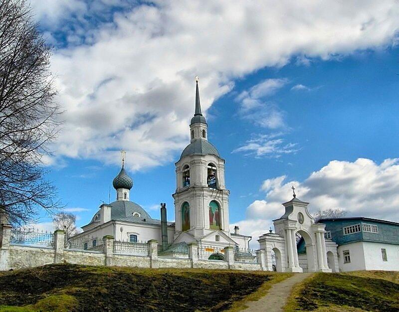 Церковь святых мучеников Александра и Антонины