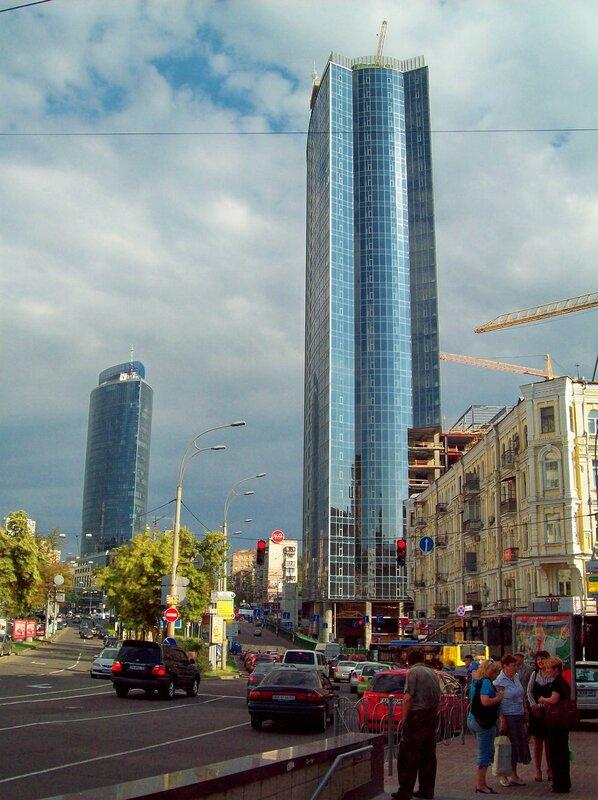 Новые дома на бульваре Леси Украинки