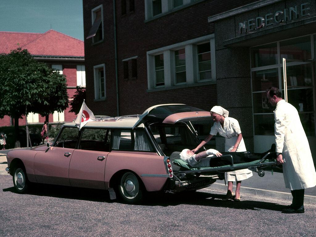 1960_Citroen_ID_19_Ambulance_classic_emergency_2048x1536.jpg