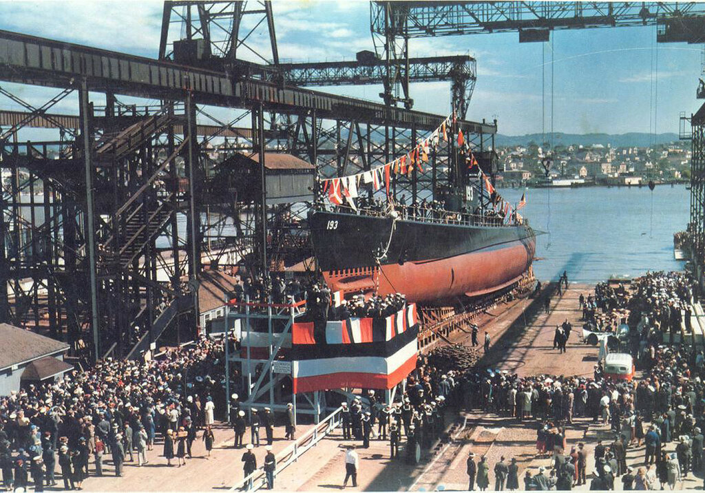 SWORDFISH on the day of her launching, 1 April 1939.jpg