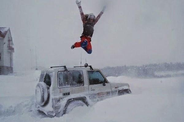 Радостные фотографии прыгающих людей и животных 0 13093f 5eb3cd5b orig