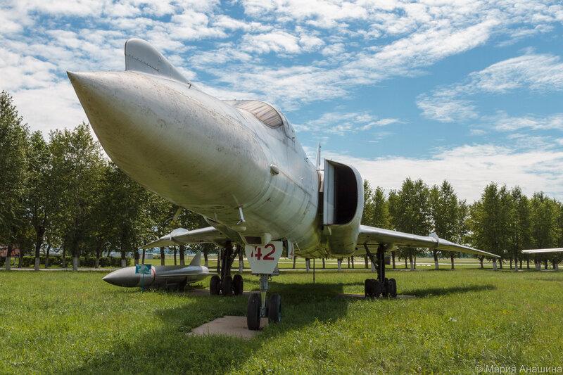 Сверхзвуковой бомбардировщик-ракетоносец Ту-22М2, музей Дальней Авиации, Рязань