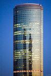 Башня центра Сити вечером