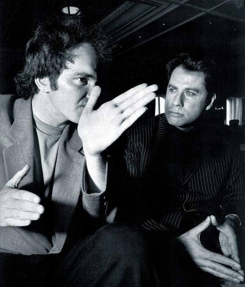 Квентин Тарантино и Джон Траволта во время съемок фильма «Криминальное чтиво», 1993 год.