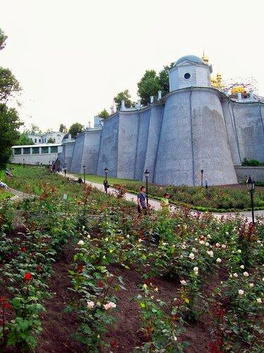 Киев.Печерская Лавра на Троицу