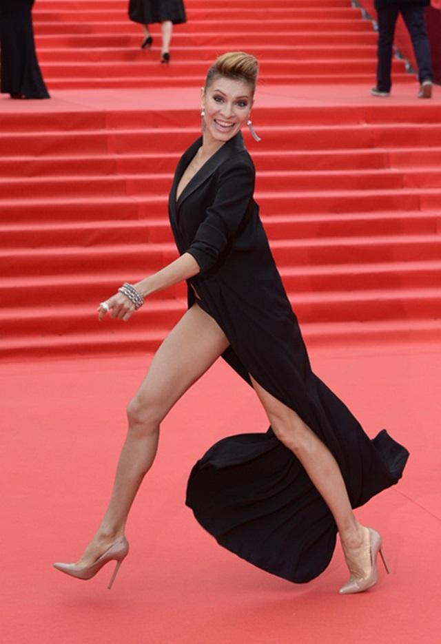 Московский кинофестиваль: кинозвезды на красной дорожке церемонии открытия