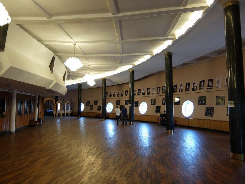 Новосибирск - Интерьер молодежного театра Глобус