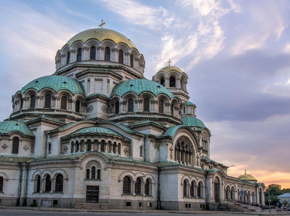 4. София, Болгария (© Aleksasho) София является одним из самых дешевых туристических городов, по сра