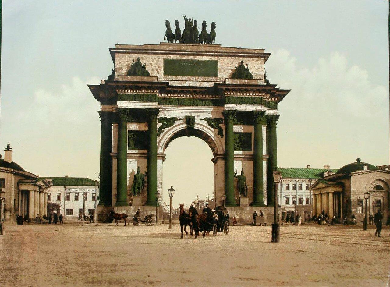 324. Триумфальные ворота