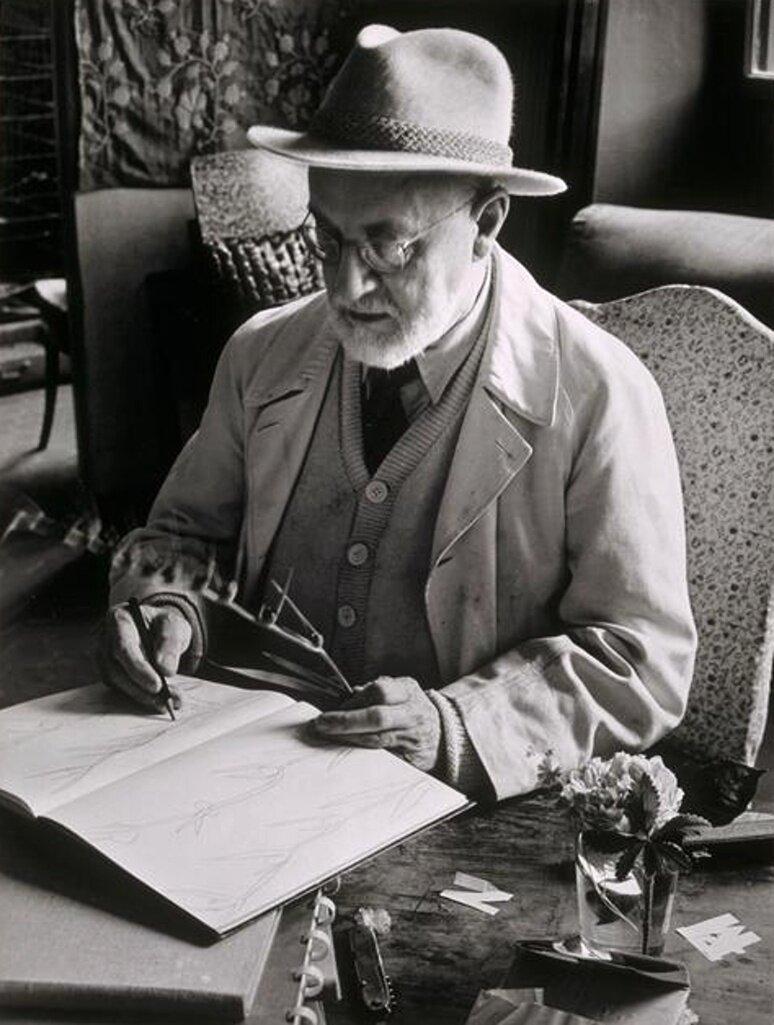 1946. Анри Матисс за работой