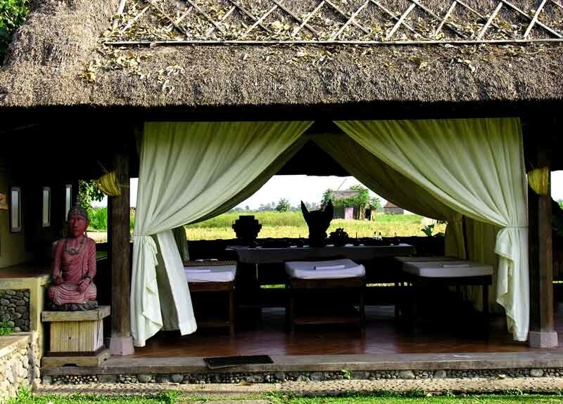 Пури Таман Сари (Менгви, Бали)