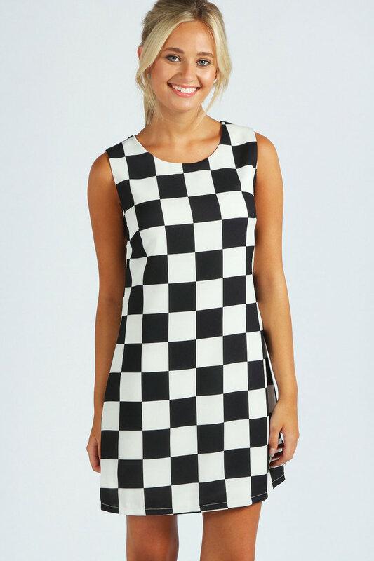 Короткое платье  в чёрно-белую клетку