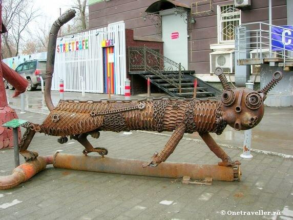 Пермь. Железная скульптура Котофеич