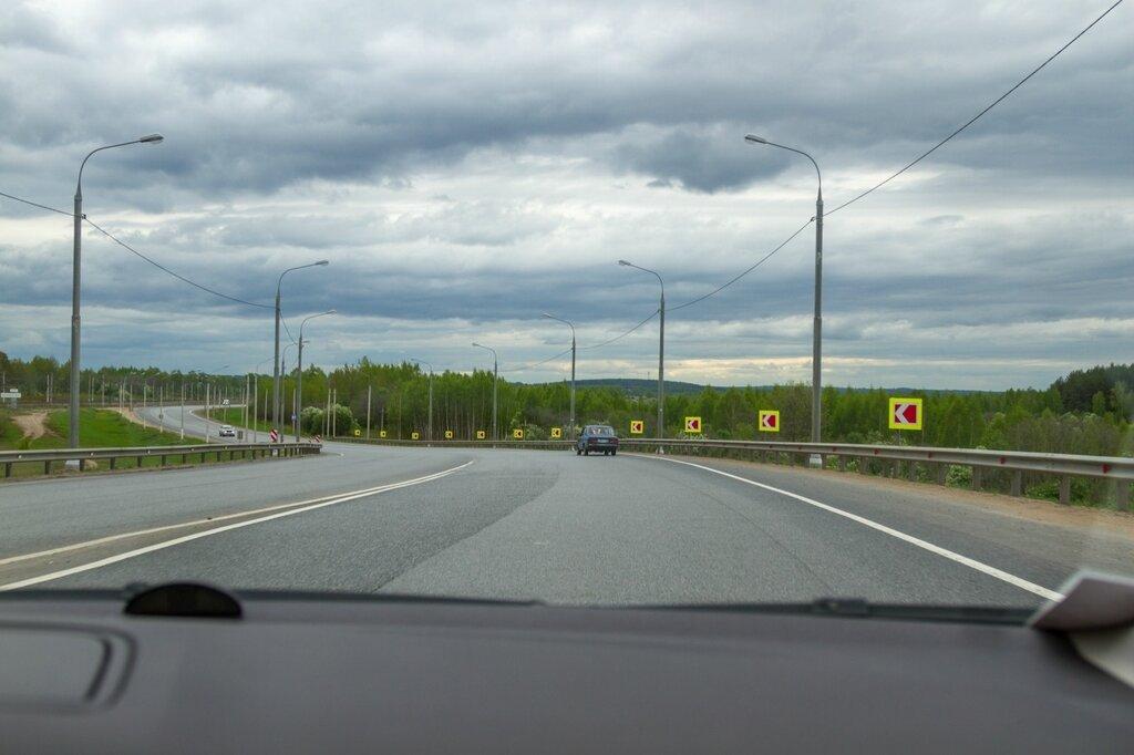 Трасса М-8 недалеко от Ростова