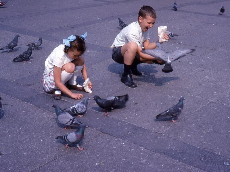 1968-04, Милан, Соборная площадь.jpg