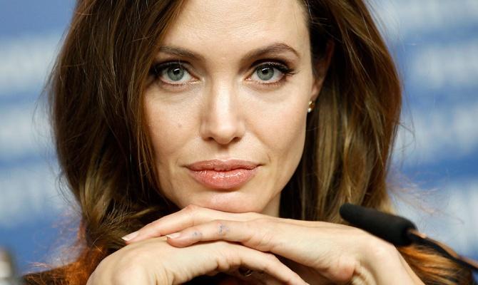 Дочь Анджелины Джоли собралась стать мальчиком