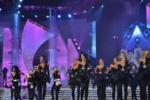 Концерт в честь Мисс Венесуэла 2013 года 0 12c415 ec6f0d48 orig