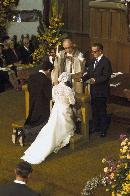 1975. Религиозная часть церемонии бракосочетания в соборе Св. Мартина в Утрехте.