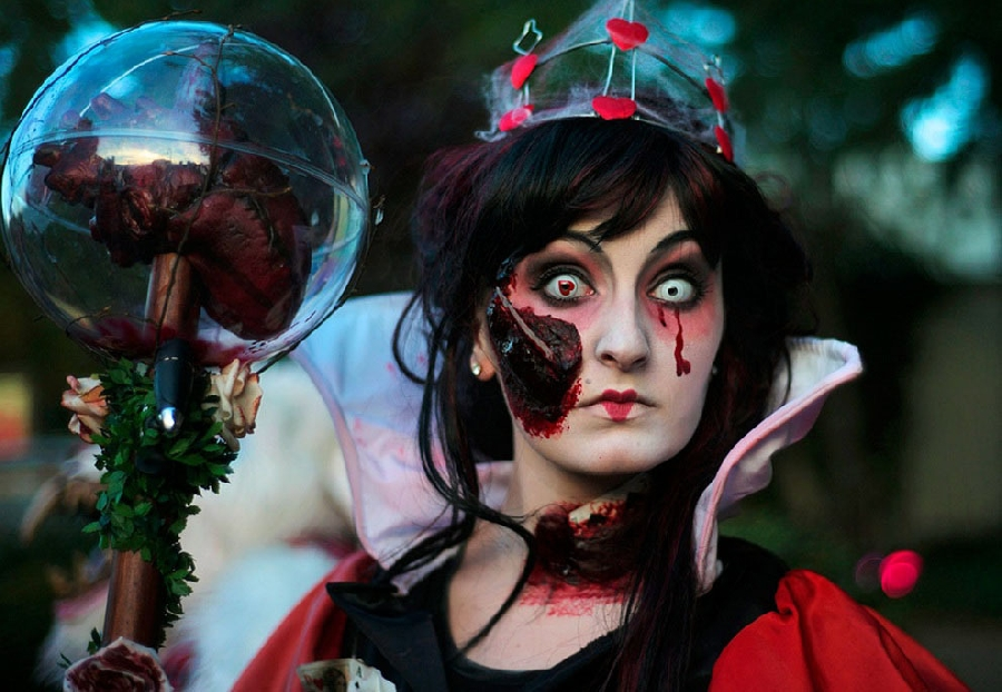 Хэллоуин— канун Дня всех святых празднуется 31октября