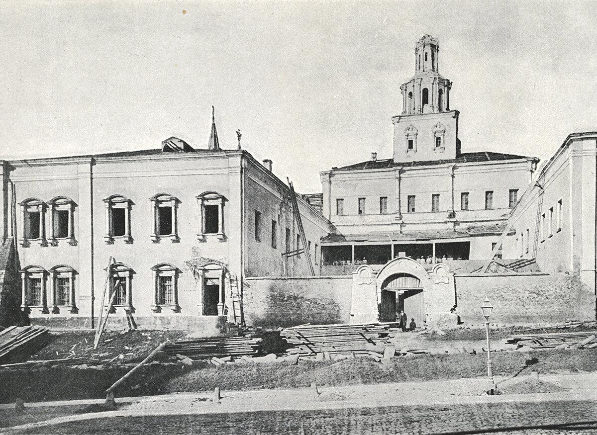 568. Древние палаты на Красной площади. 1874
