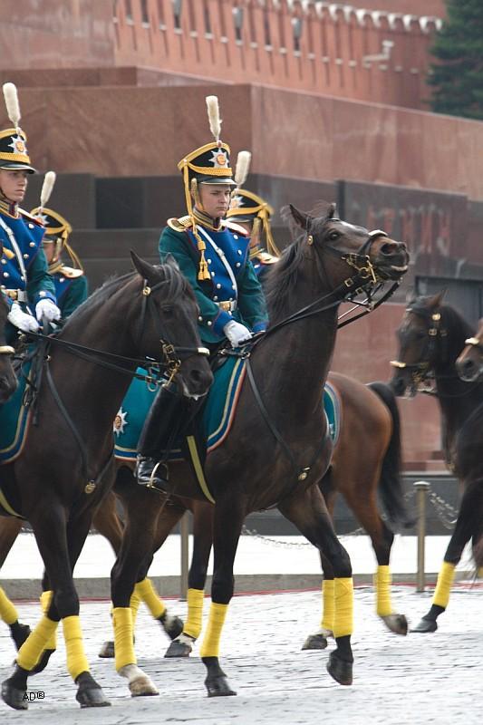 Церемониальный развод пеших и конных караулов на Красной площади