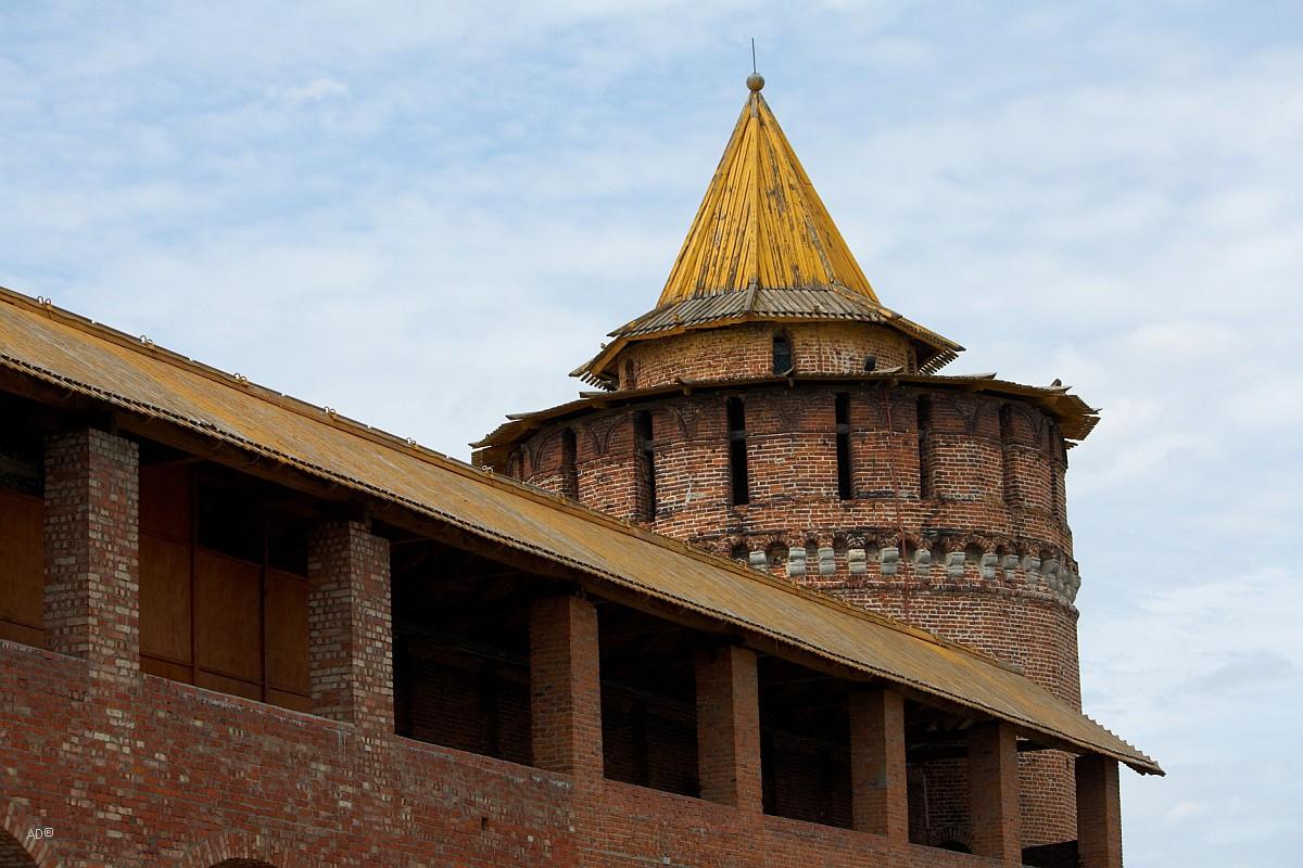 Коломенская / Круглая башня (в народе - Маринкина)