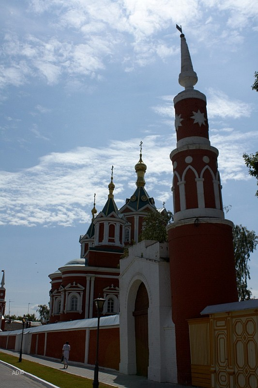 Падающая башня в Коломенском кремле