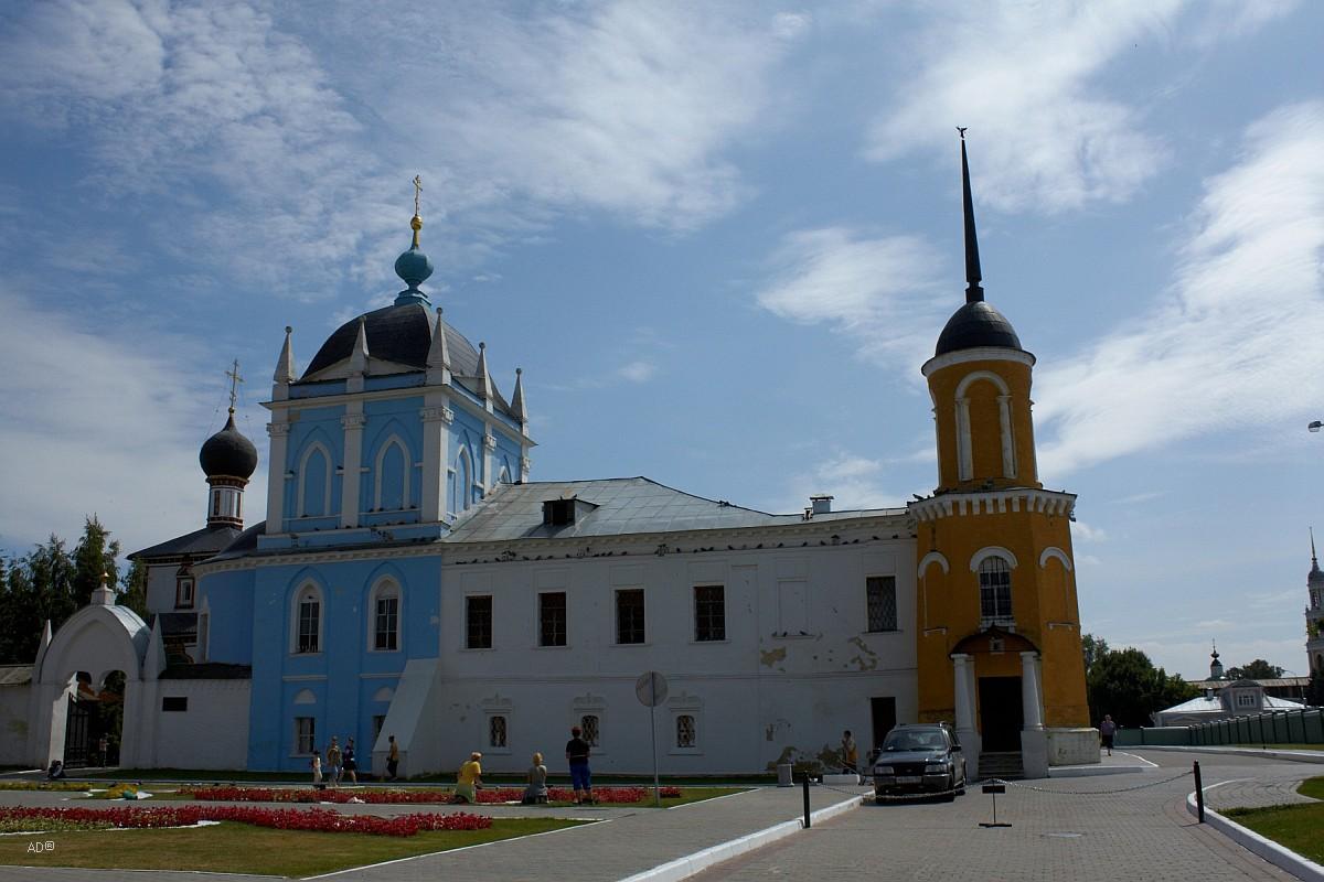 Церковь Покрова Пресвятой Богородицы (Сергиевская) Ново-Голутвина Свято-Троицкого монастыря