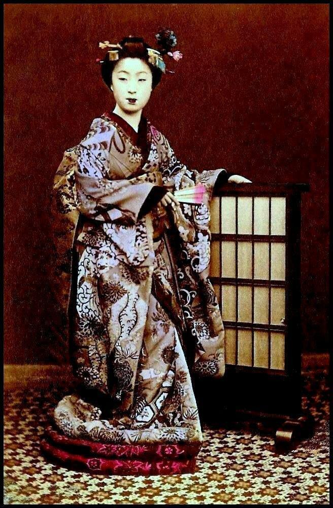 Майко в кимоно