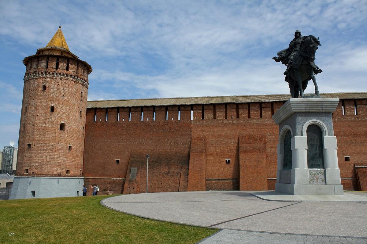 Памятник Дмитрию Донскому
