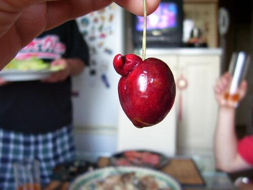 Ягодка -черешня