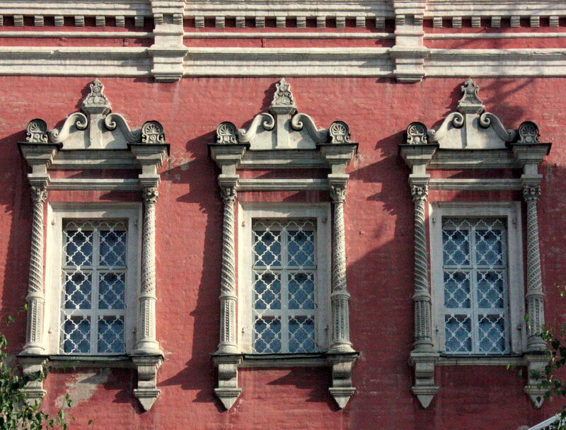 церковь Введения в Барашах. Решётки 1688 года заменены на новые.
