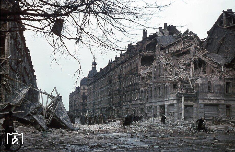 Dresdner Neustadt 1945.jpg