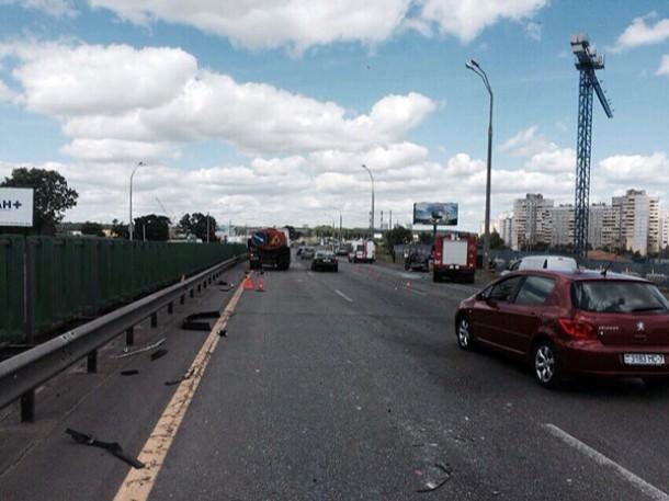 На МКАД в Минске случилась смертельная авария столкнулись иномарка и грузовик