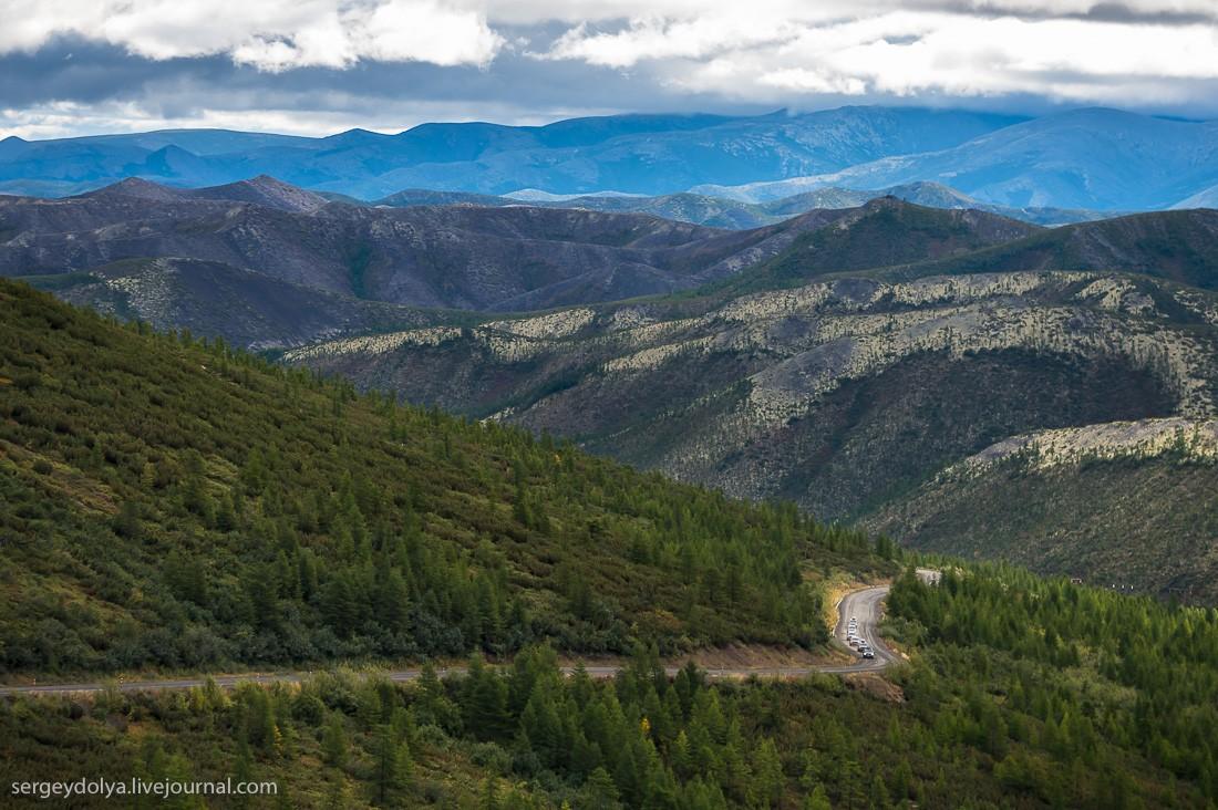 28. Большую часть дороги трасса проходит через горы. Очень много перевалов, и все они безумной красо