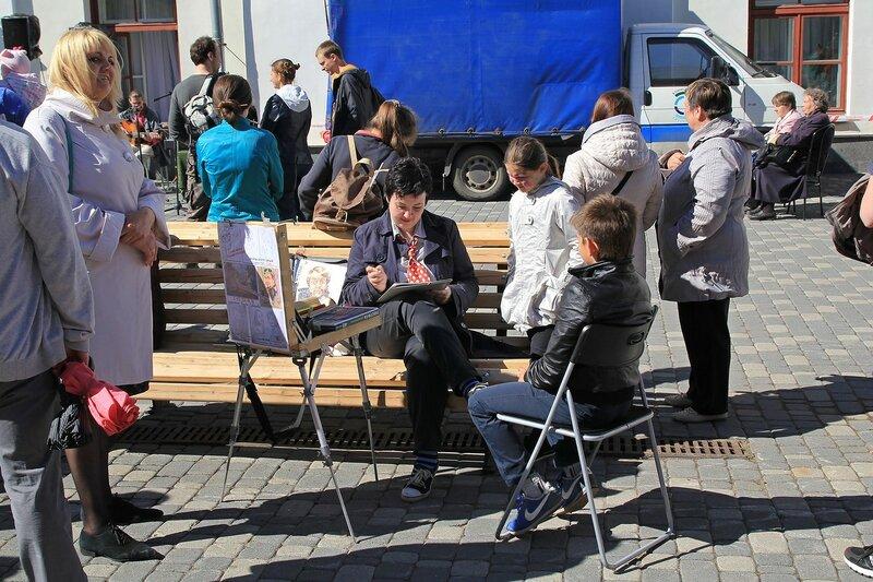Художник-шаржист - «Вятский Арбат» в день города-2015 на пешеходной улице Спасской