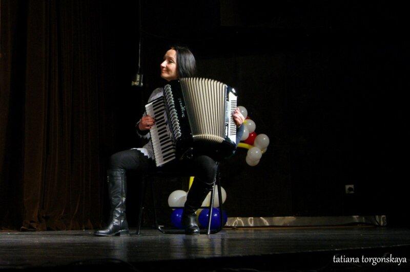 Исполнение черногорской песни