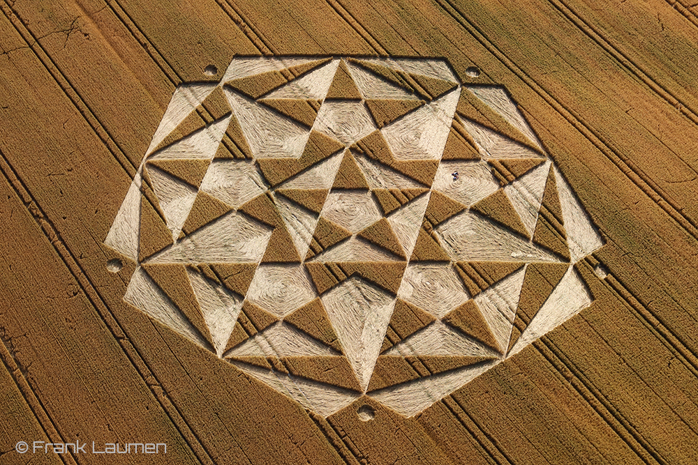 Crop Circles, UFOs and aliens