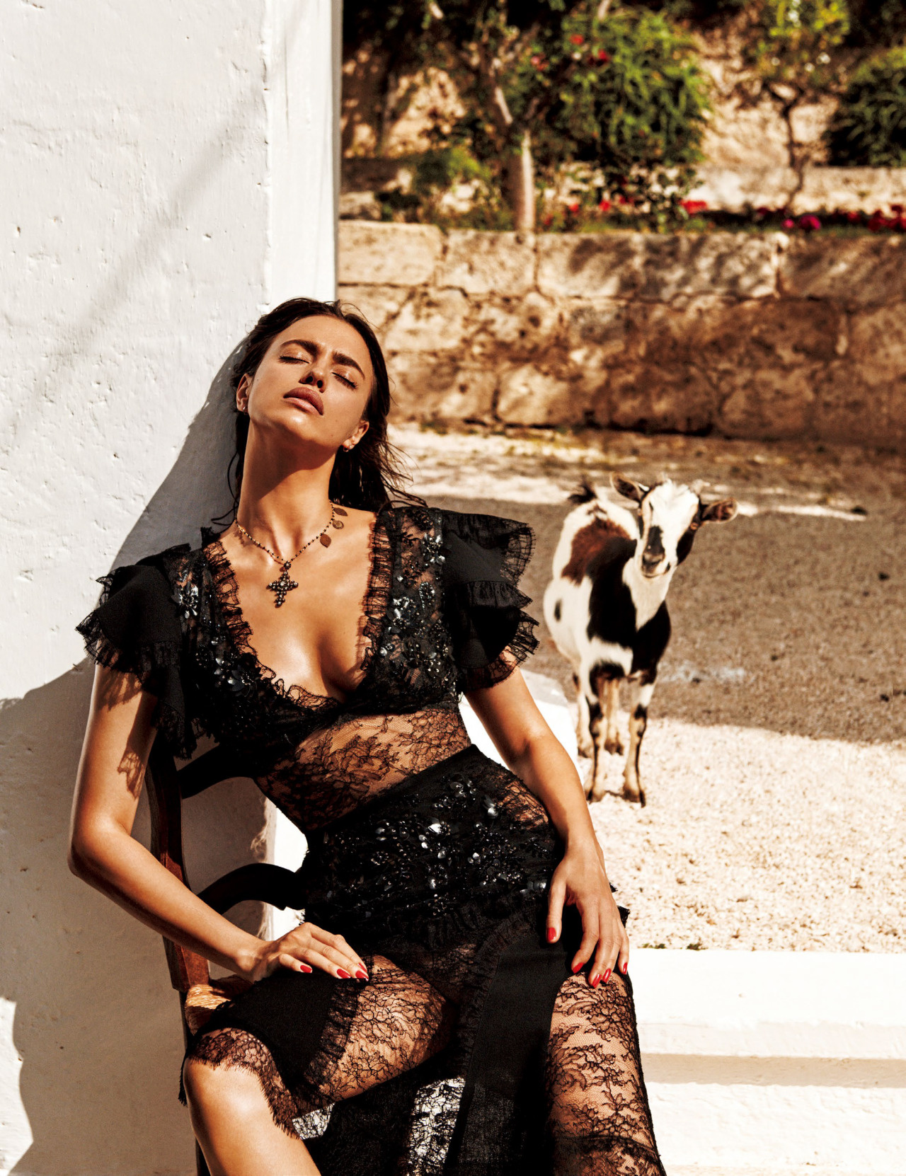 Irina Shayk In The Sun Of Italy Vogue Japan September 2016 / Giampaolo Sgura