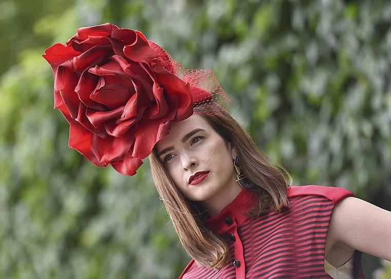 «День леди»: парад шляпок на скачках Royal Ascot 2016 0 165a31 48fe65fc orig