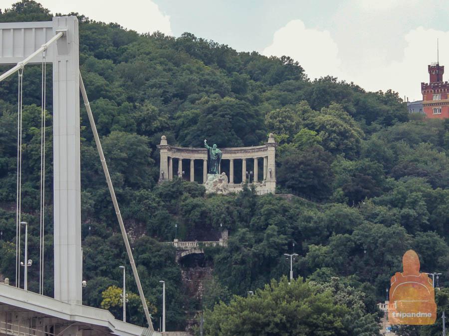 Святой Геллерт в Будапеште