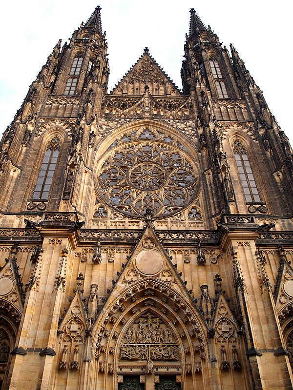 Грандиозный собор Святого Вита в Праге. (1 фото)