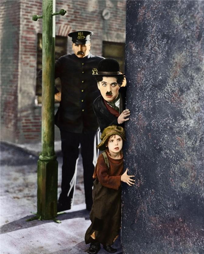 Чаплин был сценаристом, композитором, режиссером, продюсером, а также играл главные роли в боль